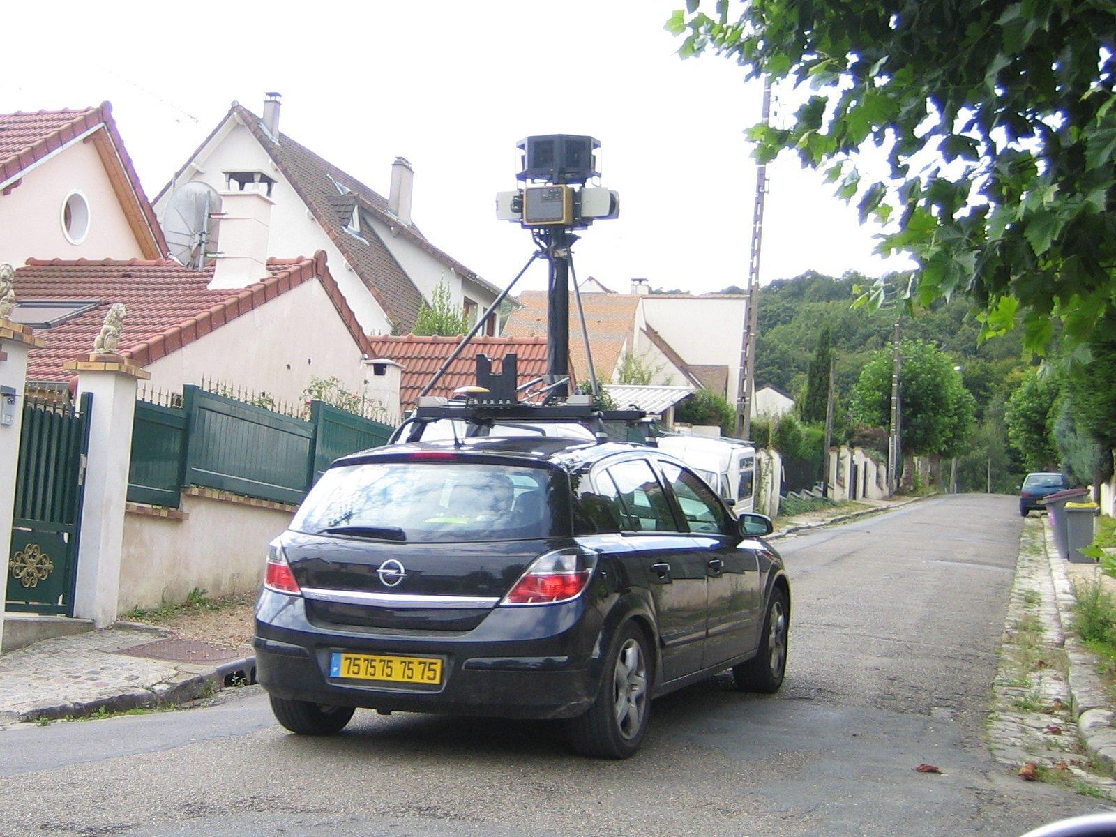 Une Voiture Photographeuse Ou Google Car
